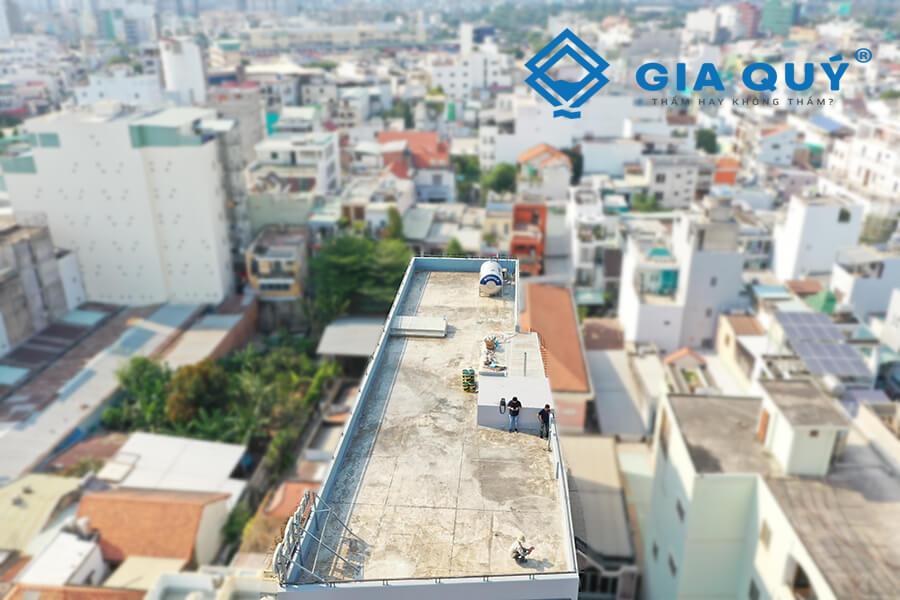 5 lý do cần xử lý chống thấm sân thượng mới hiệu quả